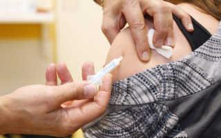 Прививка под лопатку 14 лет болит